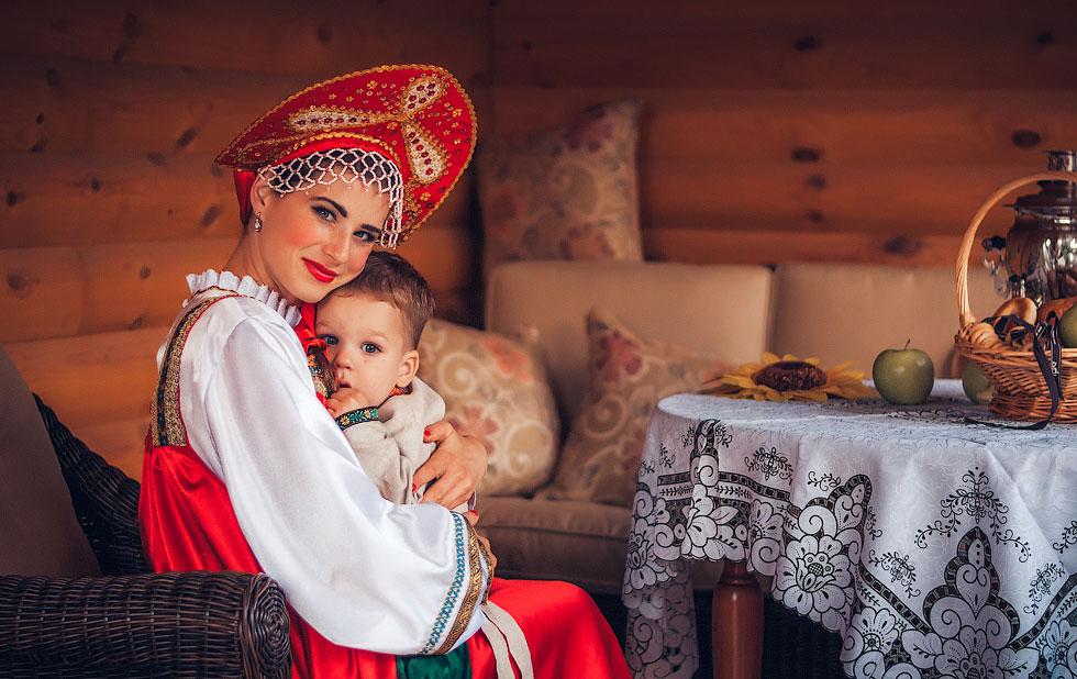 Стартовал прием заявок на Всероссийский фотоконкурс «Мама и дети в национальных костюмах»